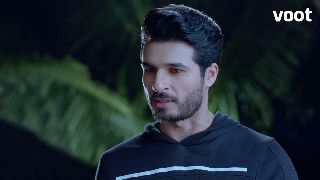 Arjun admonishes Pinky!