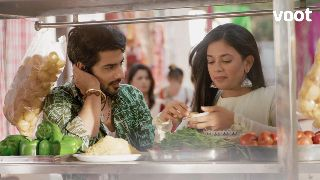 Raghu's street treat for Dhanak!